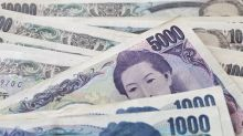 US dollar falls significantly against Japanese yen