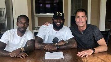 LeBron ai Lakers, ora c'è anche la foto ufficiale