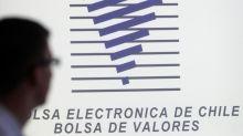 La bolsa de Santiago repunta y el peso frena su caída tras el acuerdo por la Constitución