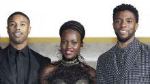 """Colegas de """"Pantera Negra"""" vão a memorial em homenagem a Chadwick Boseman"""