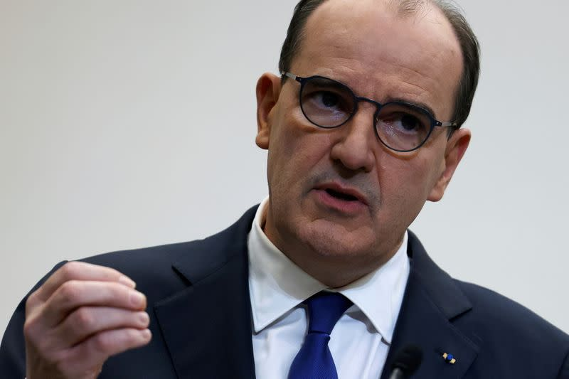 """Vaccination: Castex promet de passer la """"surmultipliée"""""""