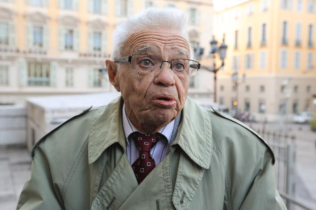 Robert Vaux, who says Patricia Dagorn asked his solicitor to be written into his will, outside the courthouse in Nice on Monday (AFP Photo/VALERY HACHE)