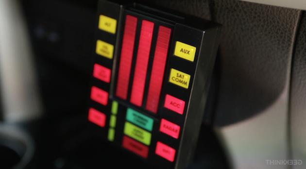 Retro-Killer: Auto-USB-Port im ultimativen Knight-Rider-Design