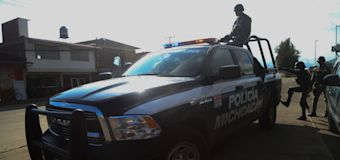Emboscan y matan a 14 policías en México