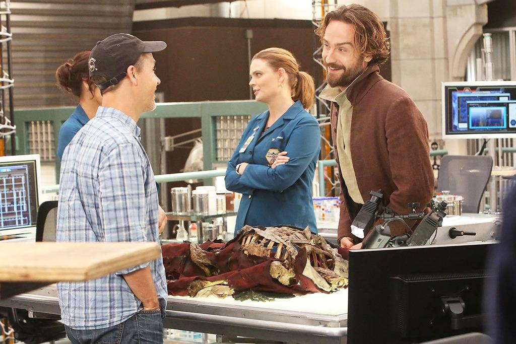 Exclusive Behind-the-Scenes Photos of the 'Bones'/'Sleepy Hollow' Crossover Event