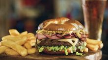Red Robin Gourmet Burgers and Brews Reintroduces Guest-Favorite Oktoberfest Burger This Fall