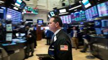 Acciones de Apple y Facebook impulsan a Wall Street a máximo en tres semanas