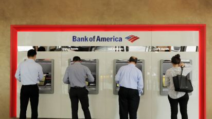 'Unbanked' in US hits lowest level since crisis