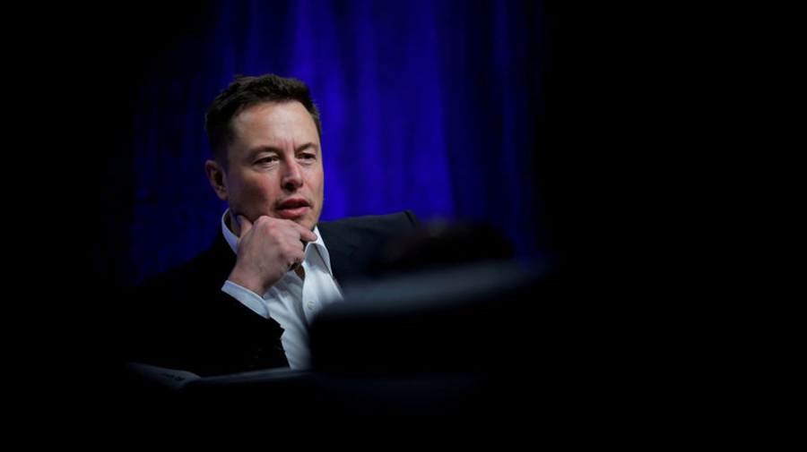Musk's statements bring criminal probe, Tesla drops