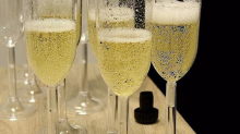 Sabrez le champagne!