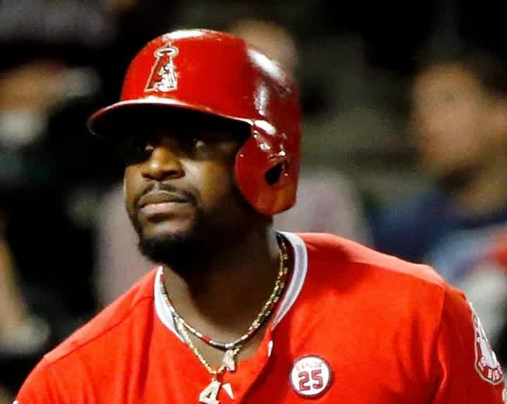 02bbc3bf6 Red Sox sign Brandon Phillips to a minor-league contract  Video