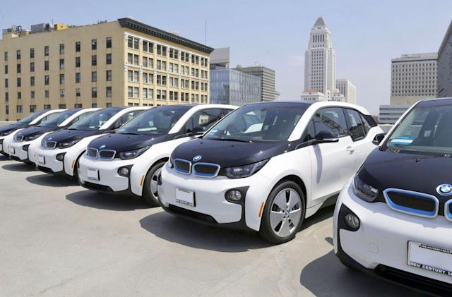 LAPD adds 100 BMW i3 EVs to its non-emergency fleet