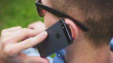 Demandan a Samsung y a Apple porque sus móviles 'pueden producir cáncer'