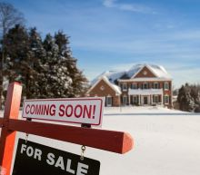 U.S Mortgage Rates Resume the Decline as Economic Woes Build