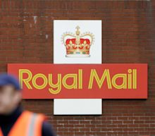 Coronavirus pandemic pushes Royal Mail to cut 2,000 management jobs