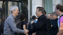 Apple debuts upgraded Fifth Avenue NYC store, Tim Cook makes an appearance