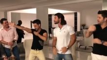 Zezé Di Camargo rebola ao som de hit sertanjo
