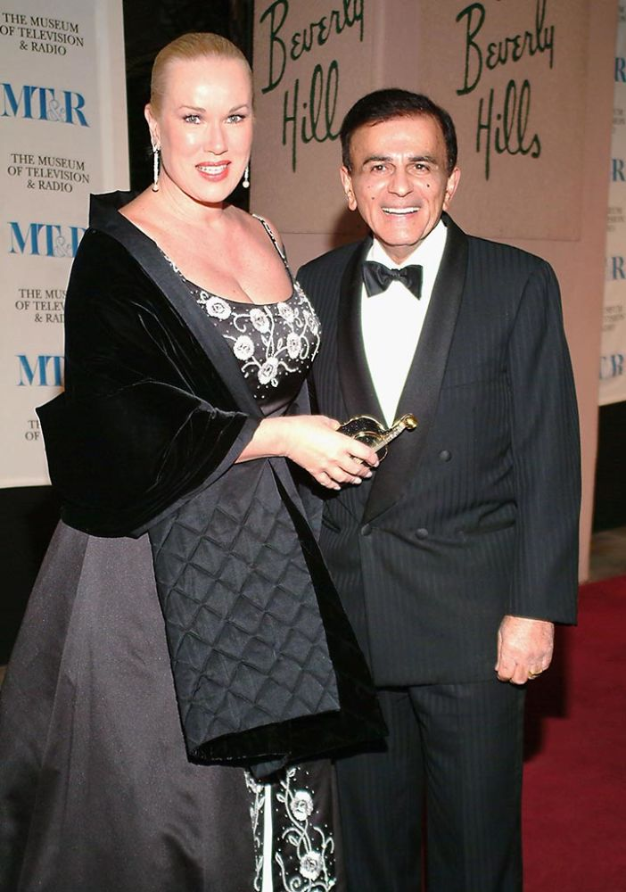 Casey Kasem and wife Jean attend an event in 2004. (Photo: Michael Tullberg/Getty Images)