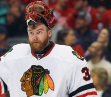 Hurricanes scoop up Scott Darling's rights from Blackhawks