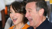La hija de Robin Williams le rinde homenaje en el que hubiera sido su 67 cumpleaños