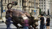 Loomis Bond Veteran Cuts Bets on Asia FX in Trade War Hedge