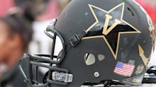 Shorthanded by COVID-19, Vanderbilt reportedly brings in women's soccer team's goalkeeper to practice