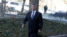 Banqueiro é acusado de subornar ex-diretor de campanha de Trump por cargo