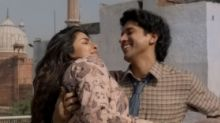PC & Farhan Have Crackling Chemistry in 'The Sky Is Pink' Song