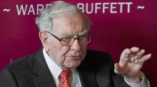 Warren Buffett Sold Apple, Bought These Stocks In Q3; Hedge Funds Add Facebook, Amazon