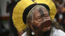 Raoni diz que Bolsonaro não tem 'coração bom' e quer destruir indígenas