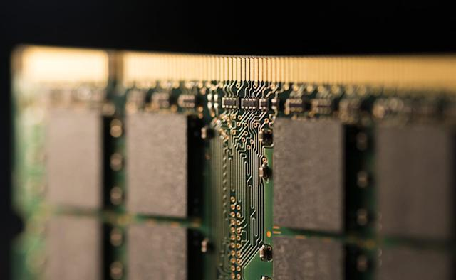 Apple and Amazon want a stake in Toshiba's memory business