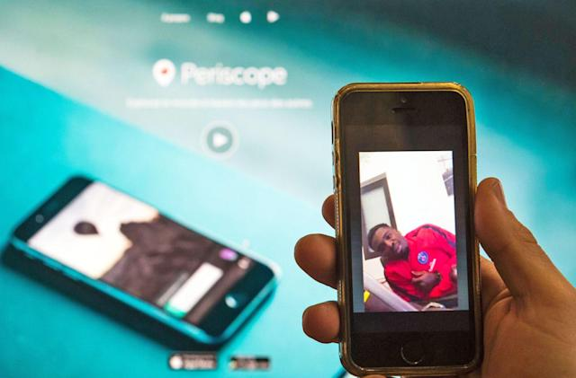 Periscope livestreams now play inside Twitter Moments