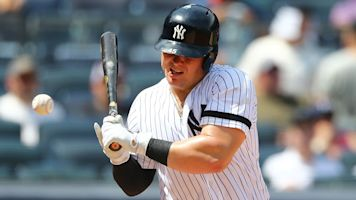 Yankees' Voit stayed in after after pitch to face