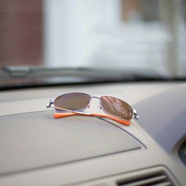 MX-5車主都應該具備的部品─Mazda & DEEC聯名紀念版太陽眼鏡「M30」