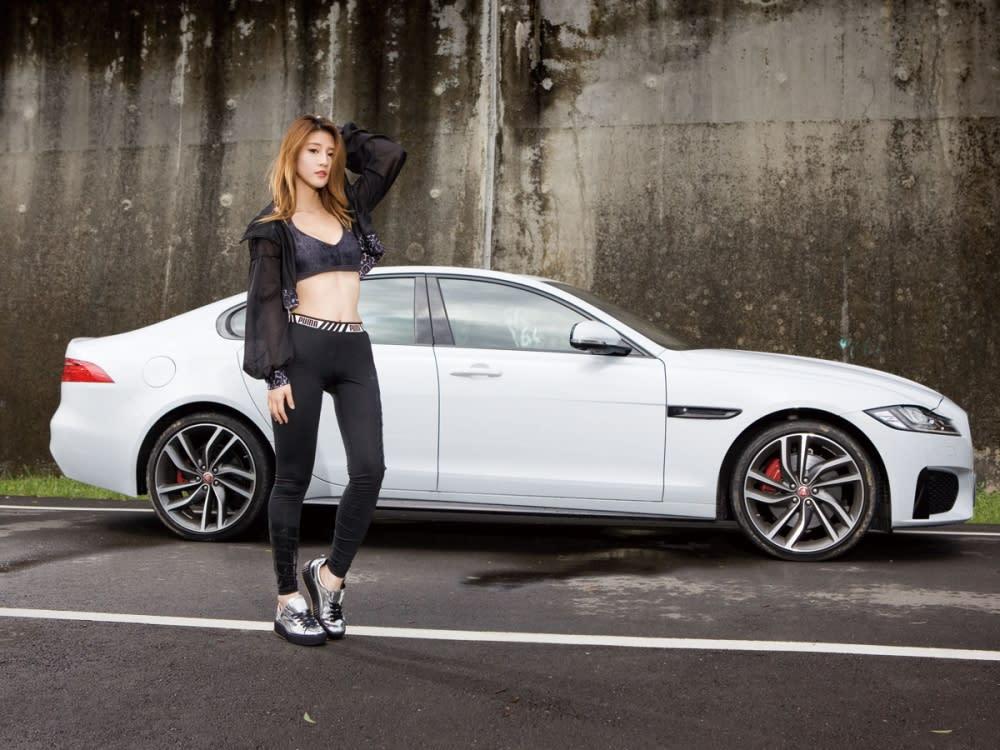 【Motor Babe】極致豹力美學 Jaguar New XF S