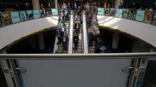 Barrick Gold beats forecasts, raises dividend