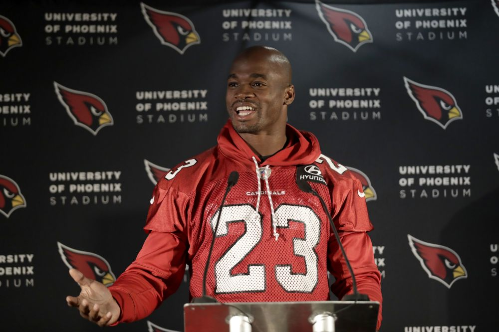 Arizona Cardinals running back Adrian Peterson was named NFC offensive player of the week. (AP)