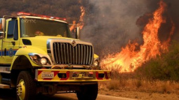 Firefighters battling California blaze face hot, dry conditions on Tuesday