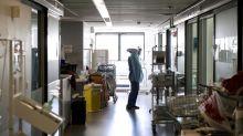 """Coronavirus : """"Il n'y a pas d'escalade, cela augmente de façon linéaire"""", témoigne un anesthésiste-réanimateur à la Pitié-Salpêtrière"""