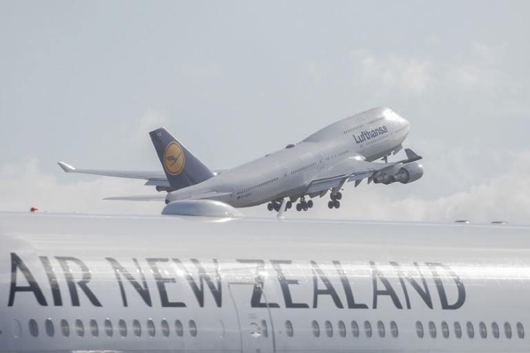 Air New Zealand has put a three-week freeze on new bookings