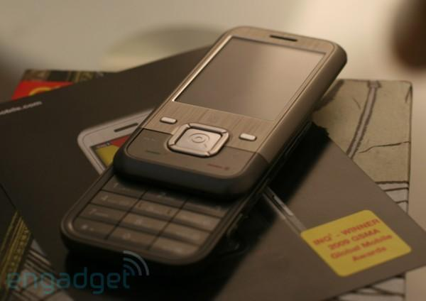"""INQ¹ wins """"Best Mobile Handset or Device"""" at MWC, golf claps"""