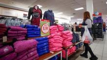 Ventas minoristas de EEUU aumentan levemente pero gasto de consumidores sigue fuerte