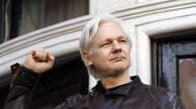 Reporte: Ecuador le dice a Assange que controle lo que dice