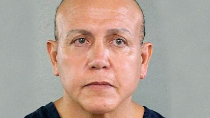 Florida man pleads guilty to mailing bombs