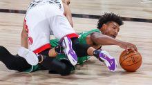 122-100. Celtics se exhiben ante los campeones, que dan su peor imagen