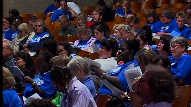 Board votes to keep Cleveland teachers