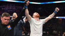 UFC fighter suffers collapsed lung but still wins