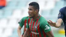 Atacante Getterson avalia temporada no futebol português, pelo Marítimo