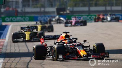"""Verstappen comemora """"boa corrida, mas um pouco solitária"""" em Sochi"""