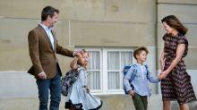 Prinz Vinzent und Prinzessin Josephine von Dänemark gehen zur Schule